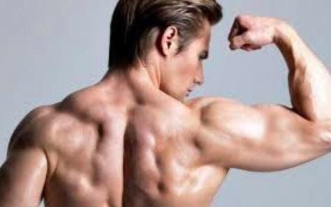 啞鈴練肌肉 舉放呼吸有方法